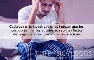 El comportamiento autolesivo es un factor de riesgo para los comportamientos suicidas.