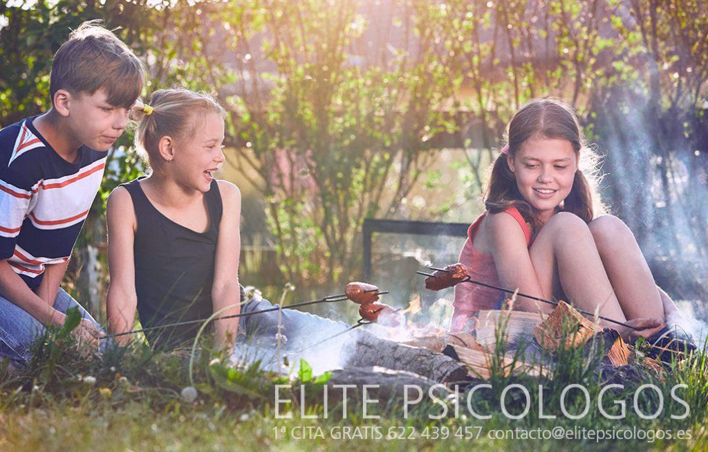 Niños en el campo de Madrid